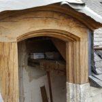 restauration-lucarne-bois-realisee-par-ateliers-perrault-freres-chateau-de-la-motte-glain