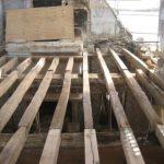 restauration-charpente-bois-en-cours-realisee-par-les-ateliers-perrault-freres-hostellerie-des-jacobins-rue-joseph-peignon-nantes
