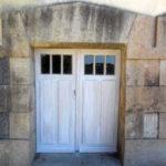 nouvelle-porte-acces-cave-chateau-grandchamp-des-fontaines-menuiserie-chever