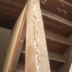 etat-escalier-mairie-conquereuil-avant-intervention-entreprise-levasseur-traitement-des-bois